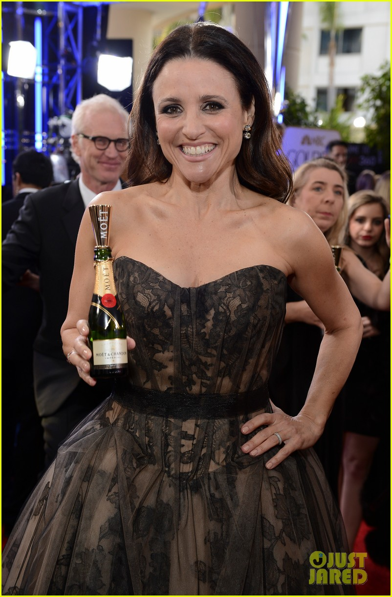 julia louis dreyfus golden globes 2013 red carpet 042791314