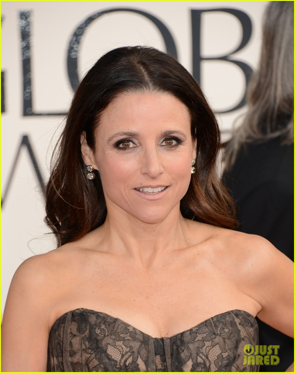 julia louis dreyfus golden globes 2013 red carpet 08