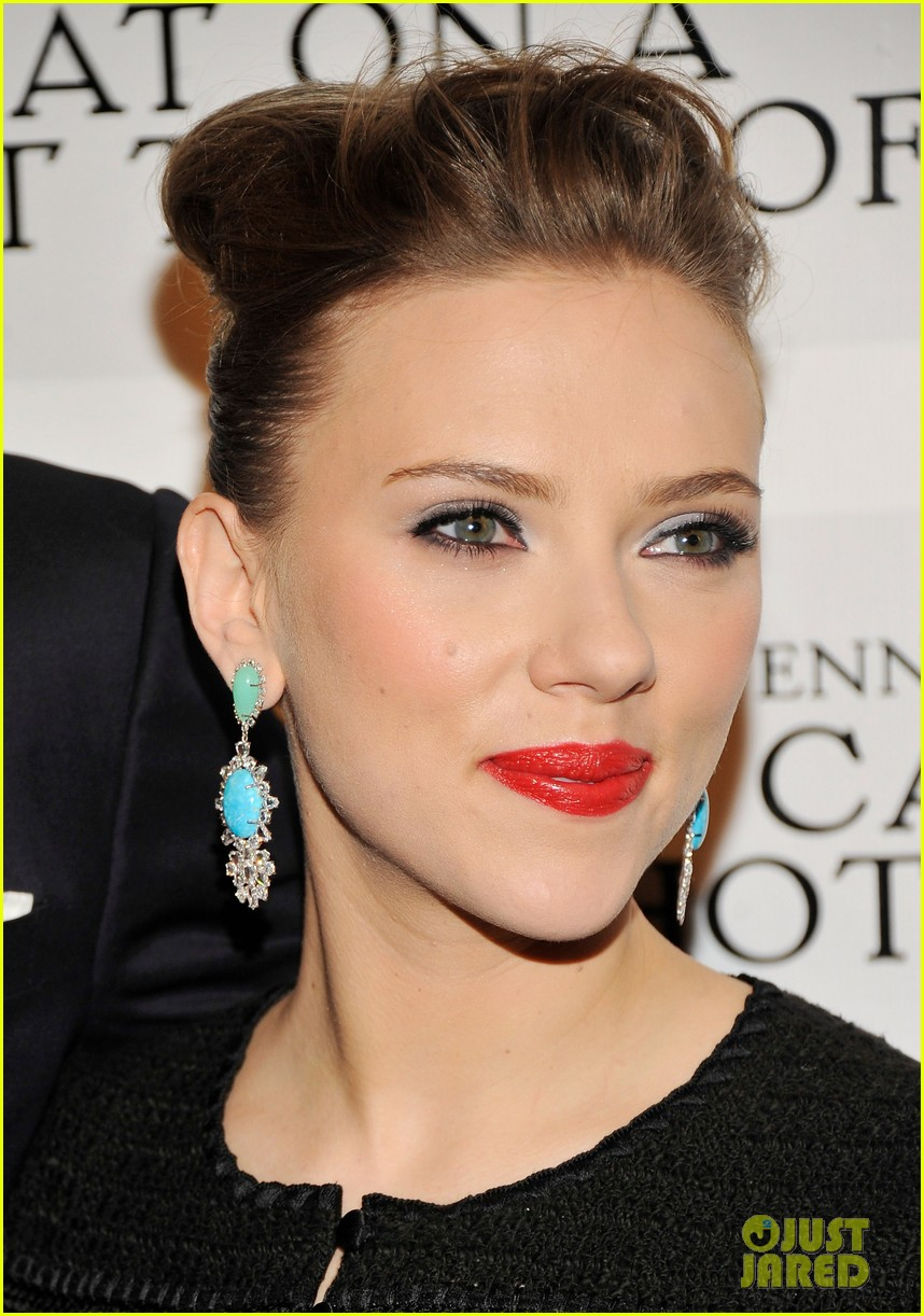 scarlett johansson cat on a hot tin roof opening party 19