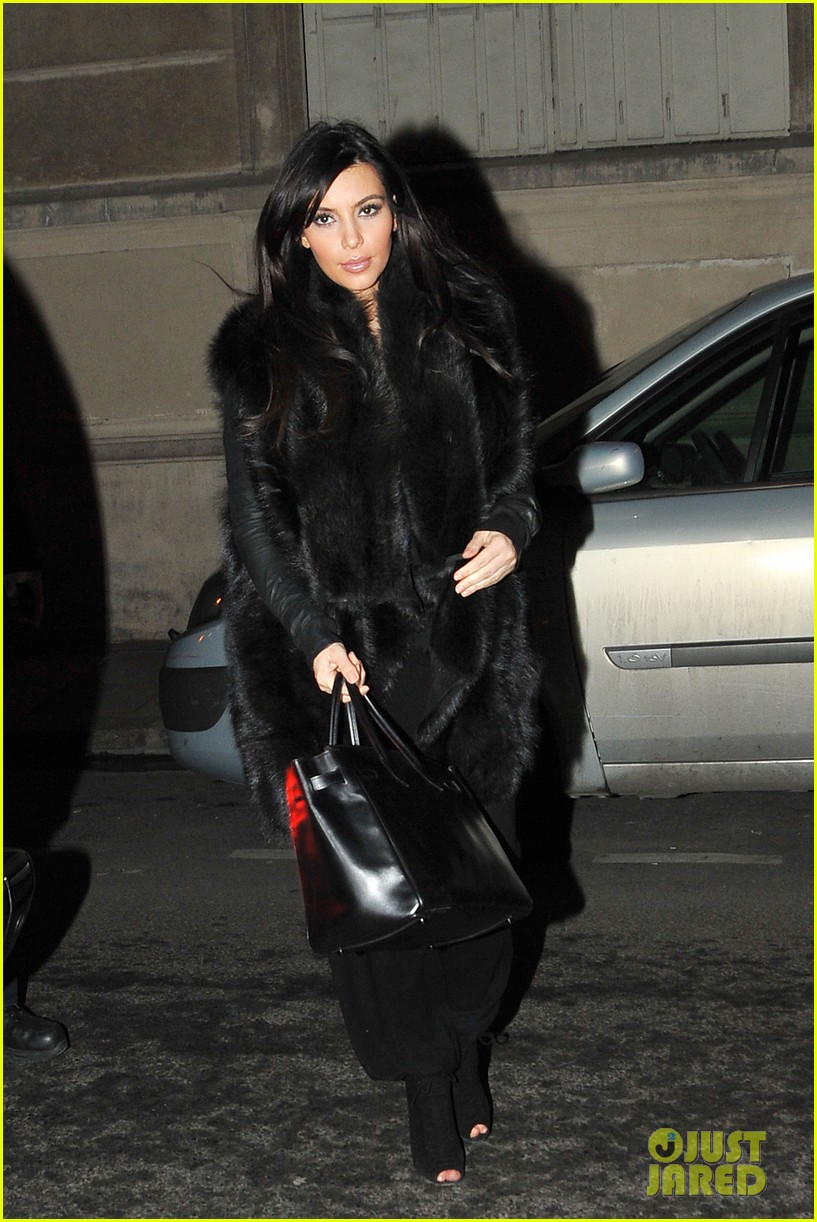 kim kardashian heads to dinner kanye west is super cold 01