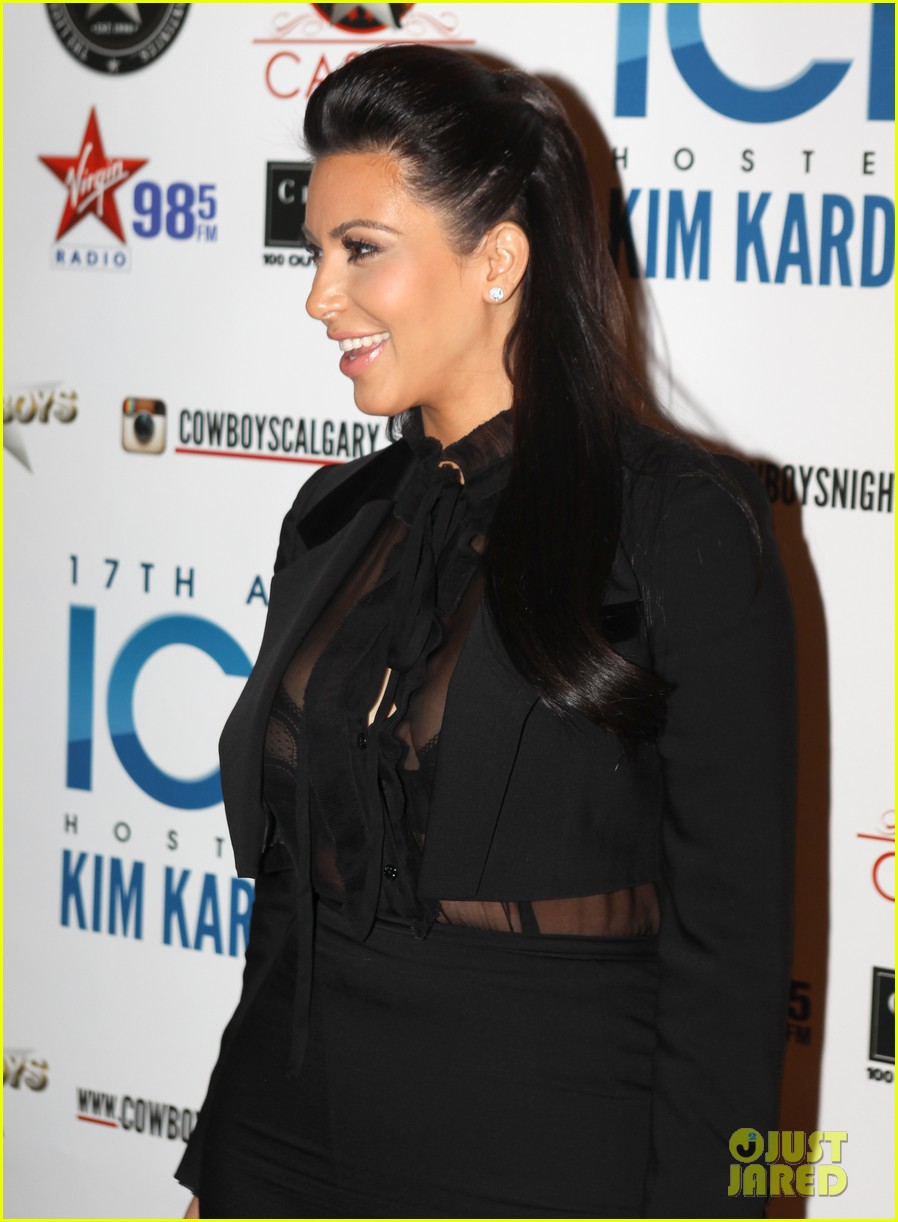 pregnant kim kardashian sheer top at iced event 06