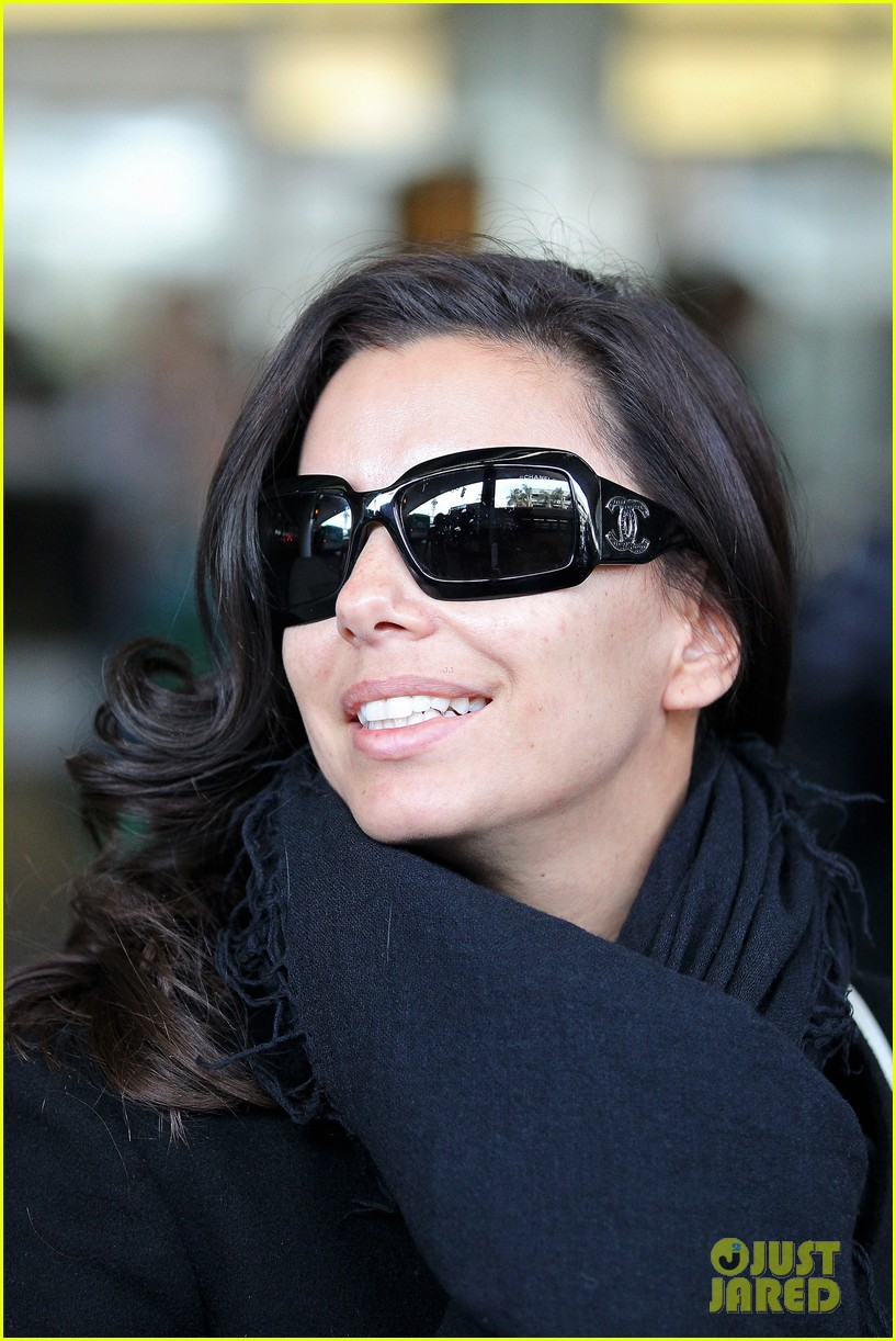 katy perry eva longoria arrive at lax after inauguration 022797312