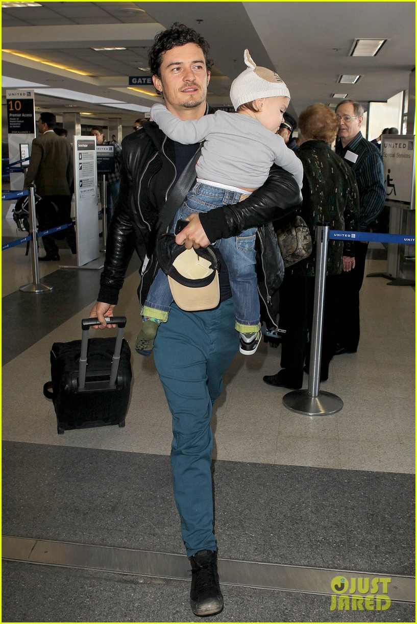 miranda kerr orlando bloom flynn family flight 12
