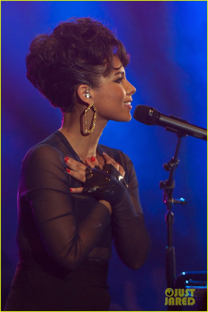 alicia keys 40 principales awards performance watch now 17
