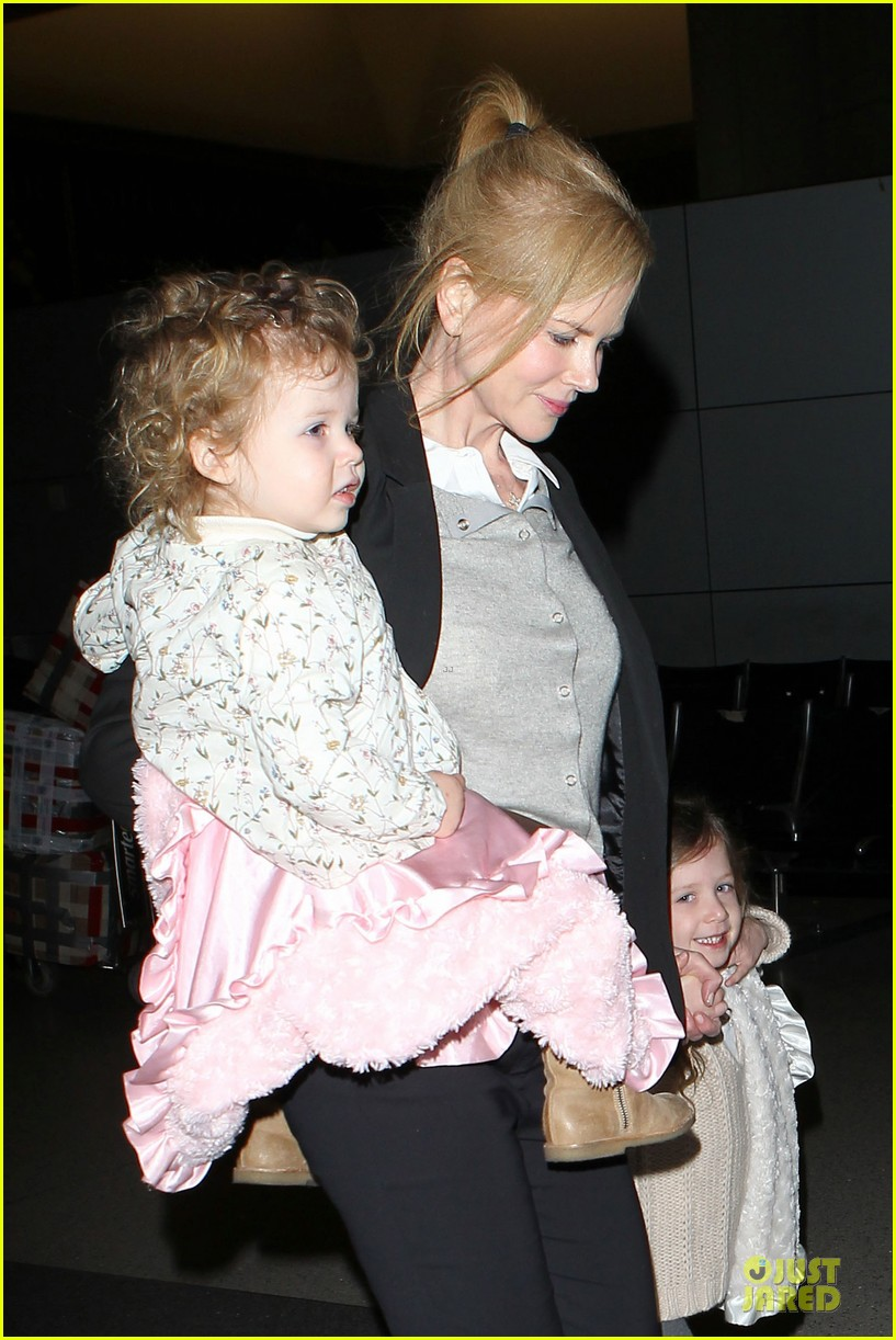 nicole kidman post sag awards lax departure with the girls 04