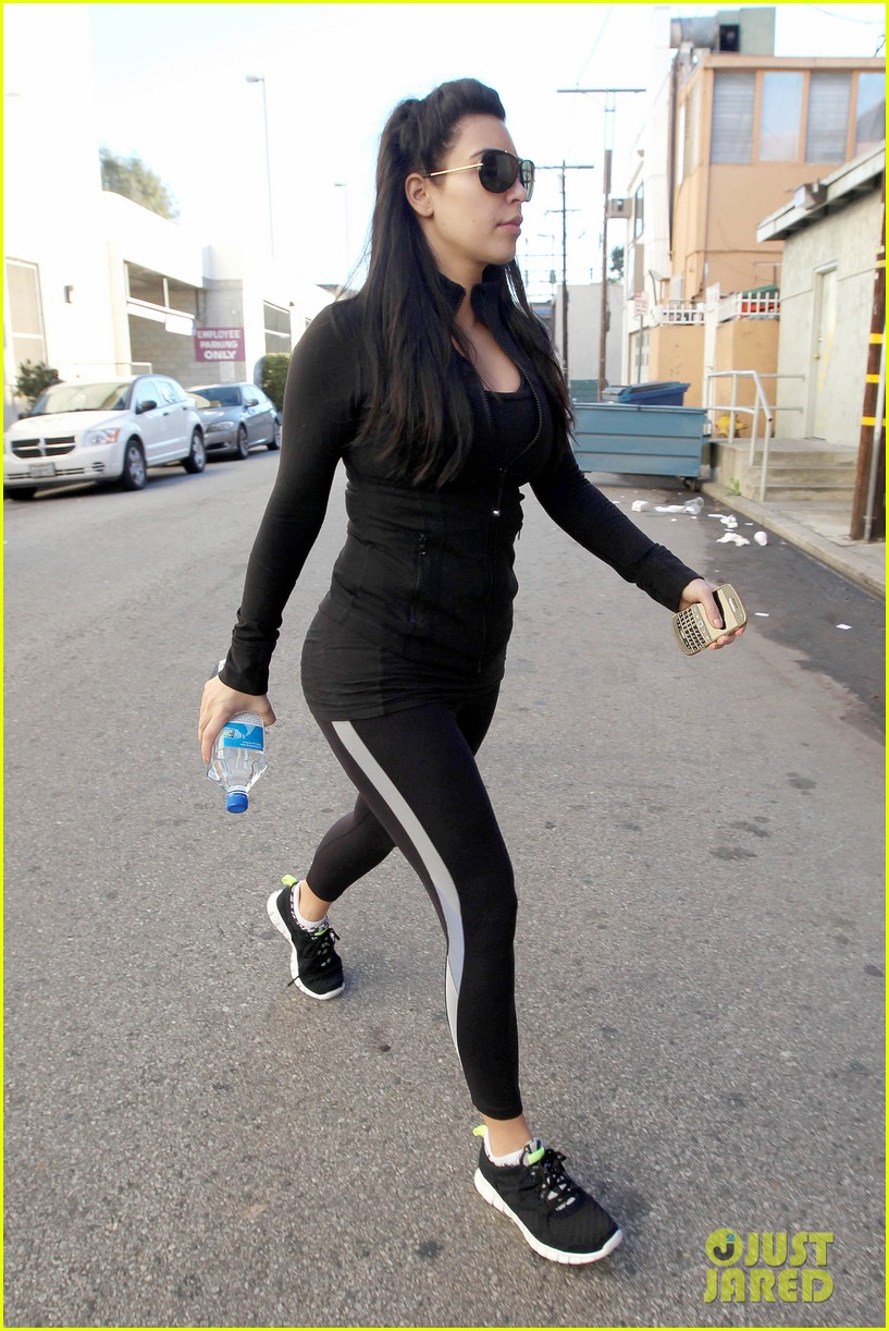 kim kardashian no morning sickness yet 07