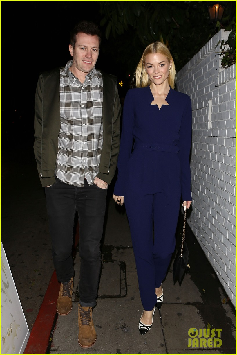 jaime king kyle newman endorse jj abrams for star wars 01