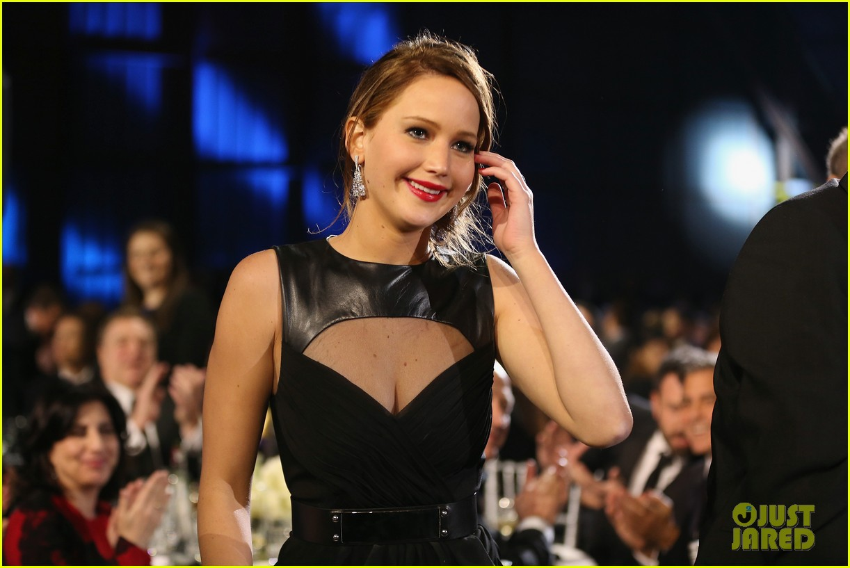 jennifer lawrence critics choice awards 2013 red carpet 042788922