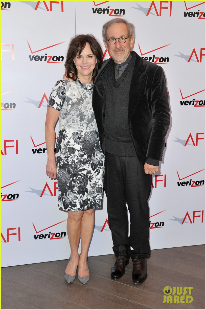 daniel day lewis sally field lincoln cast at afi awards 2013 03