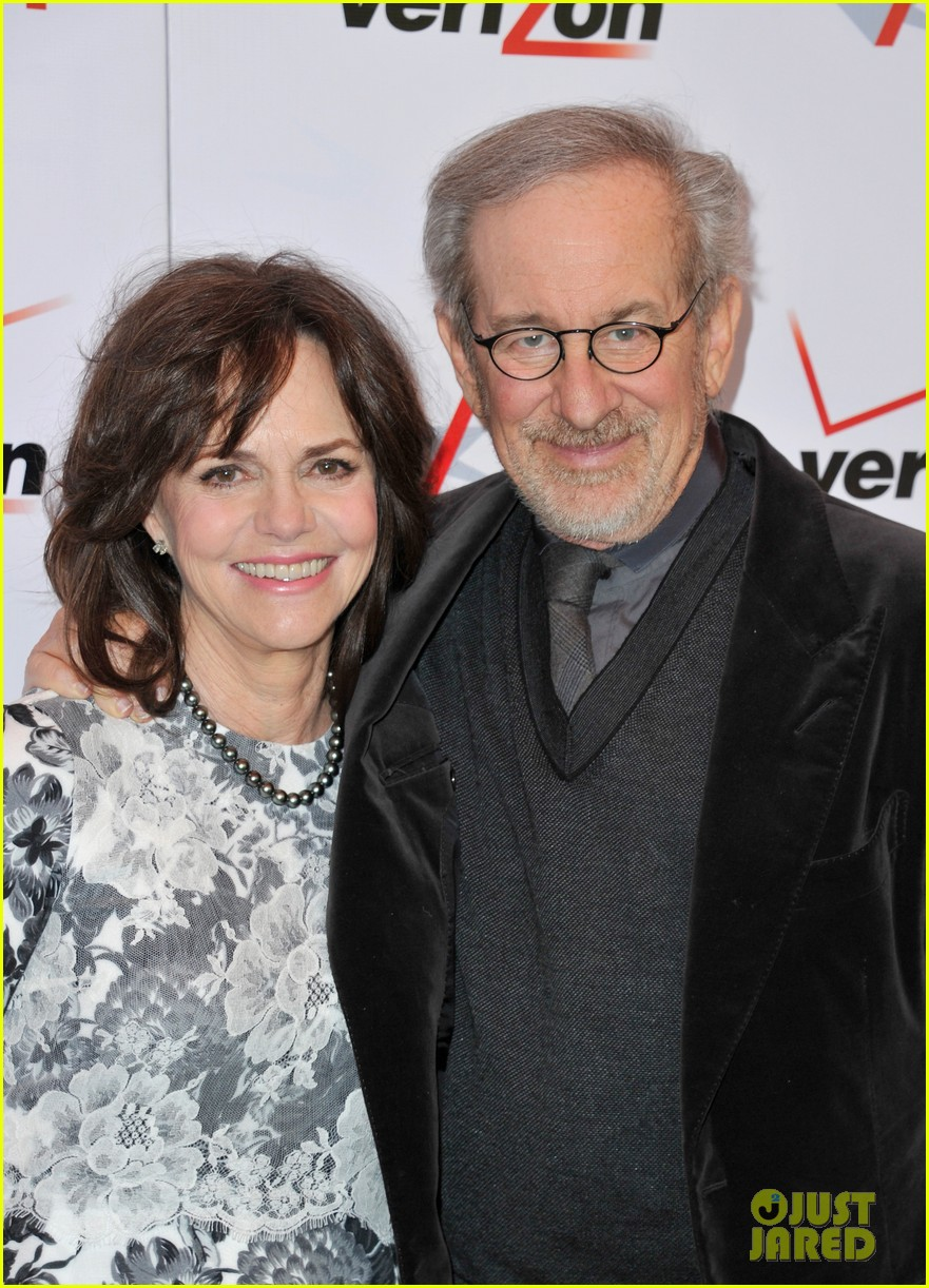 daniel day lewis sally field lincoln cast at afi awards 2013 07