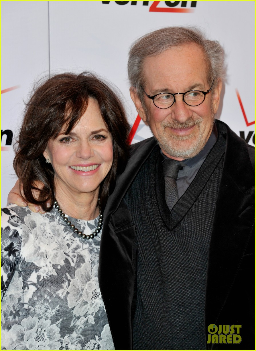 daniel day lewis sally field lincoln cast at afi awards 2013 142789245