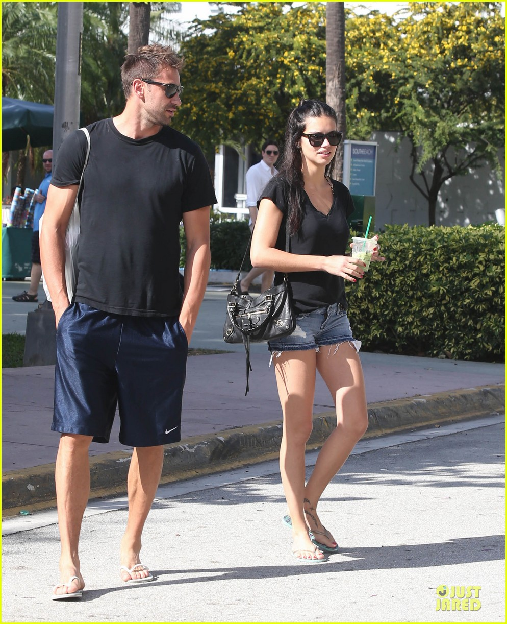 adriana lima chilling with husband marko jaric 092785233