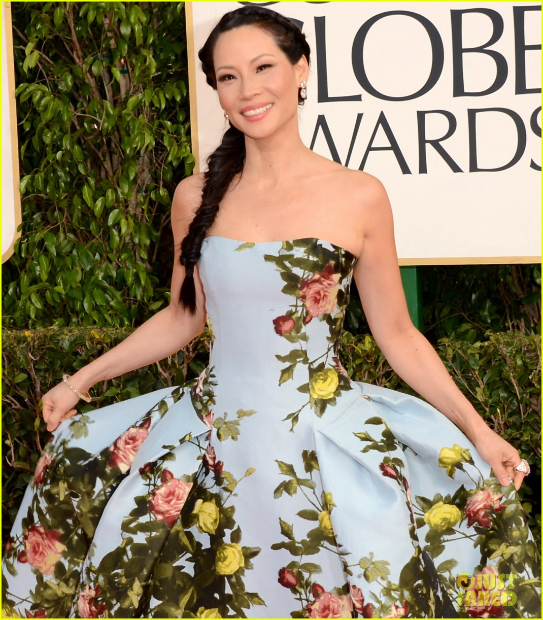 lucy liu golden globes 2013 red carpet 01