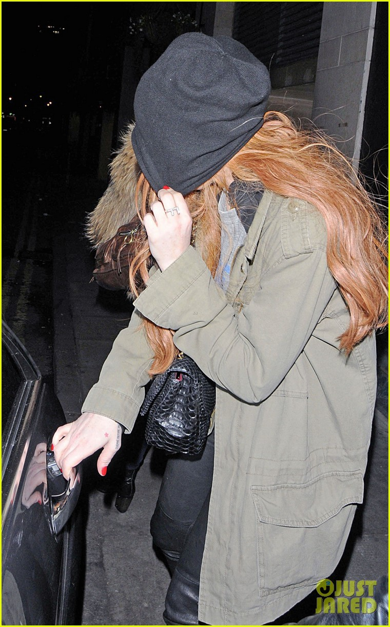lindsay lohan rose club covert departure 06
