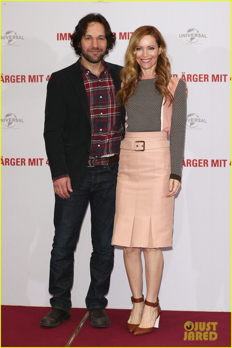 leslie mann paul rudd this is 40 berlin photo call 04