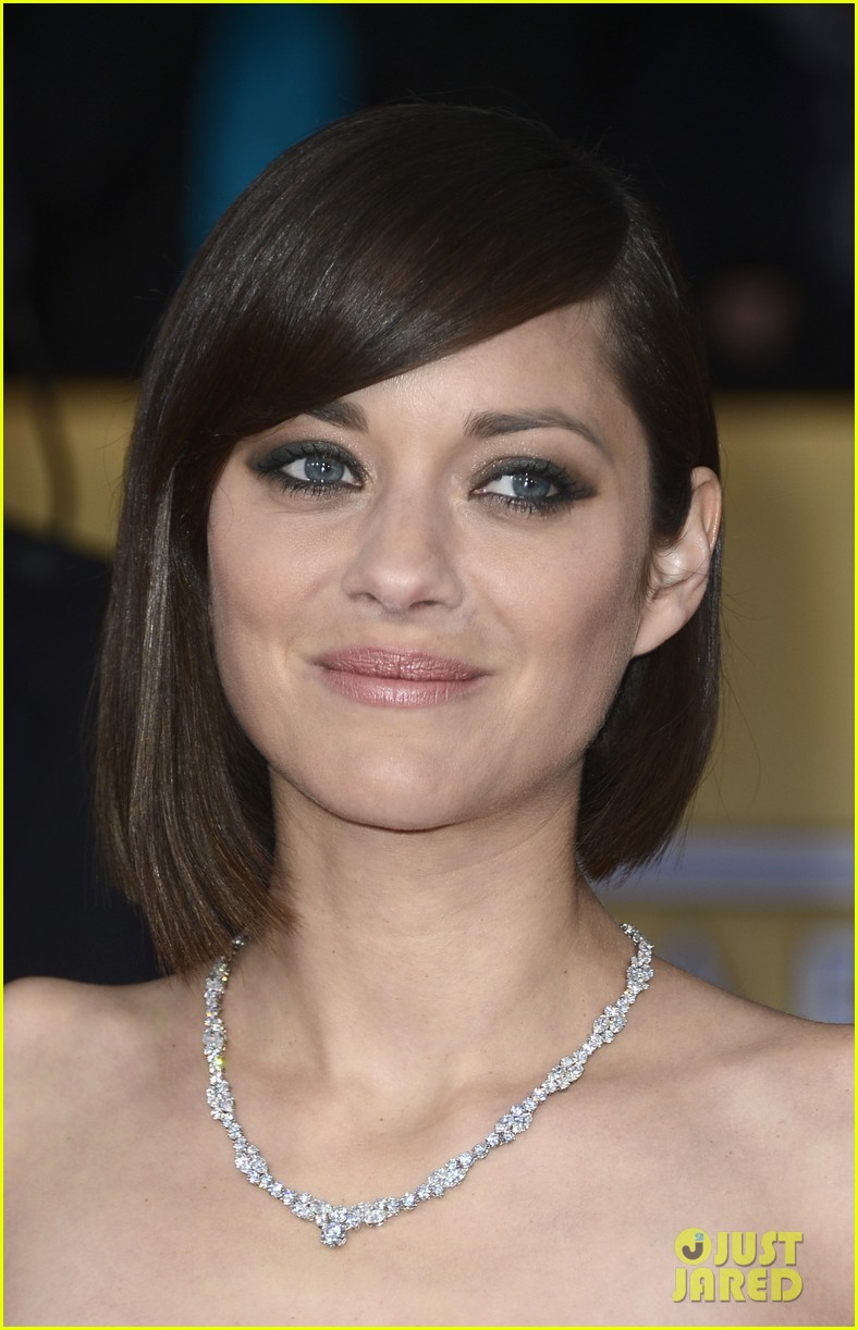 marion cotillard sag awards 2013 red carpet 032799779