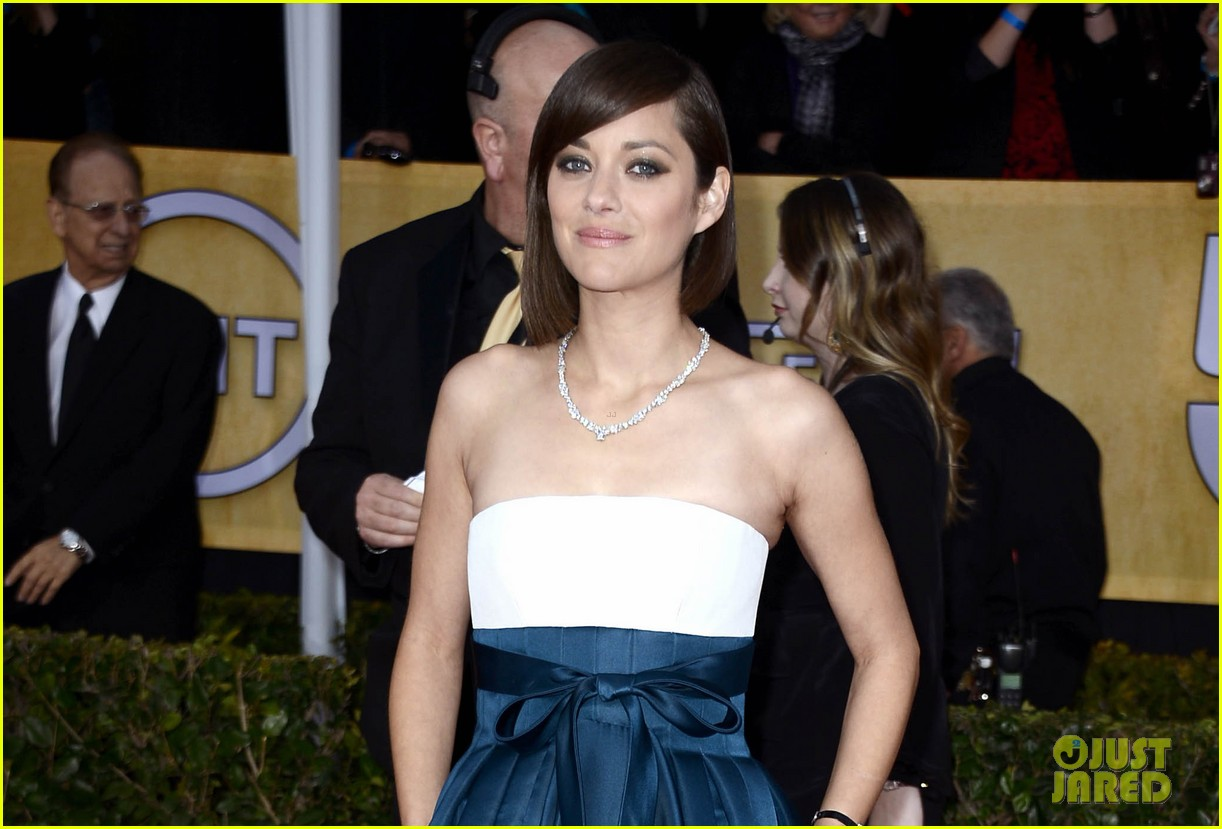 marion cotillard sag awards 2013 red carpet 04