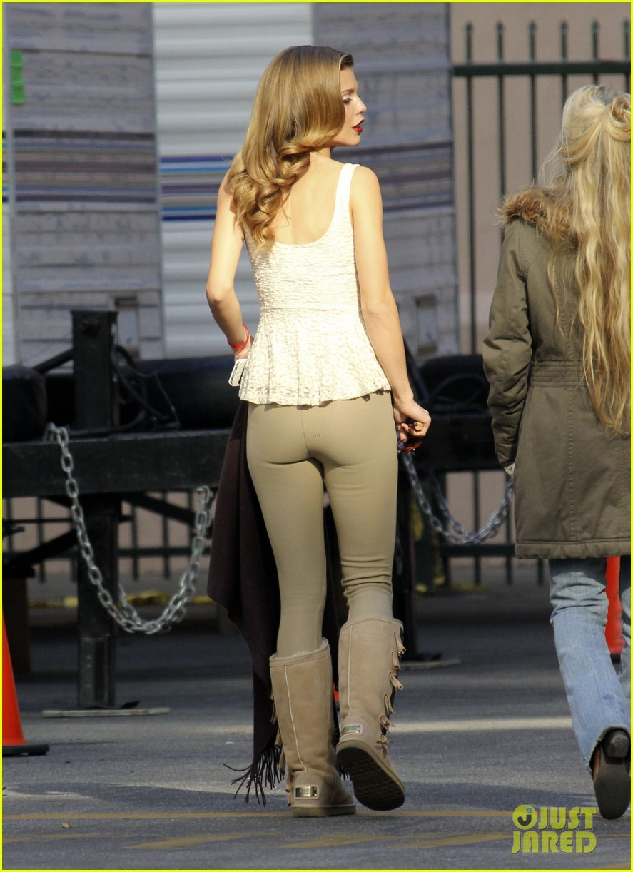 annalynne mccord i could dress up like this every day 15