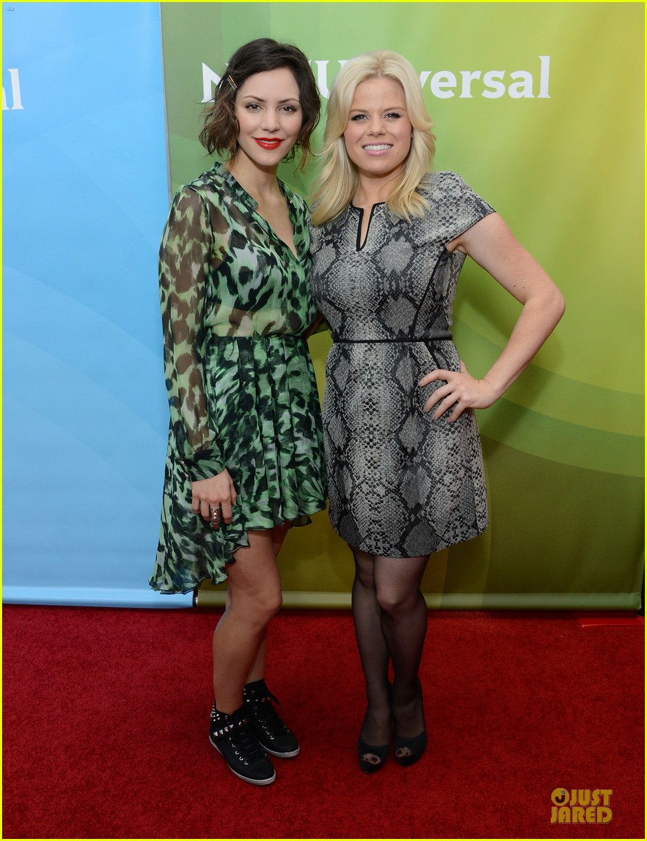 katharine mcphee & megan hilty smash tca tour 11