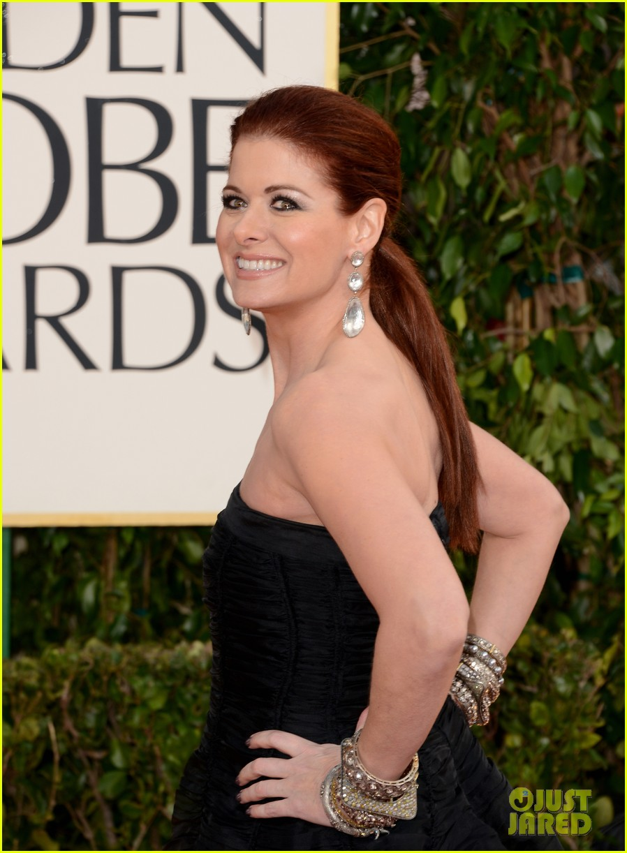 debra messing jack davenport golden globes 2013 red carpet 03