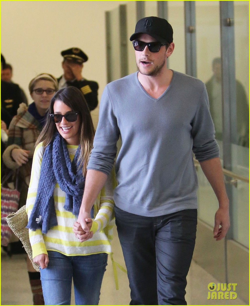 lea michele cory monteith holding hands at lax 07