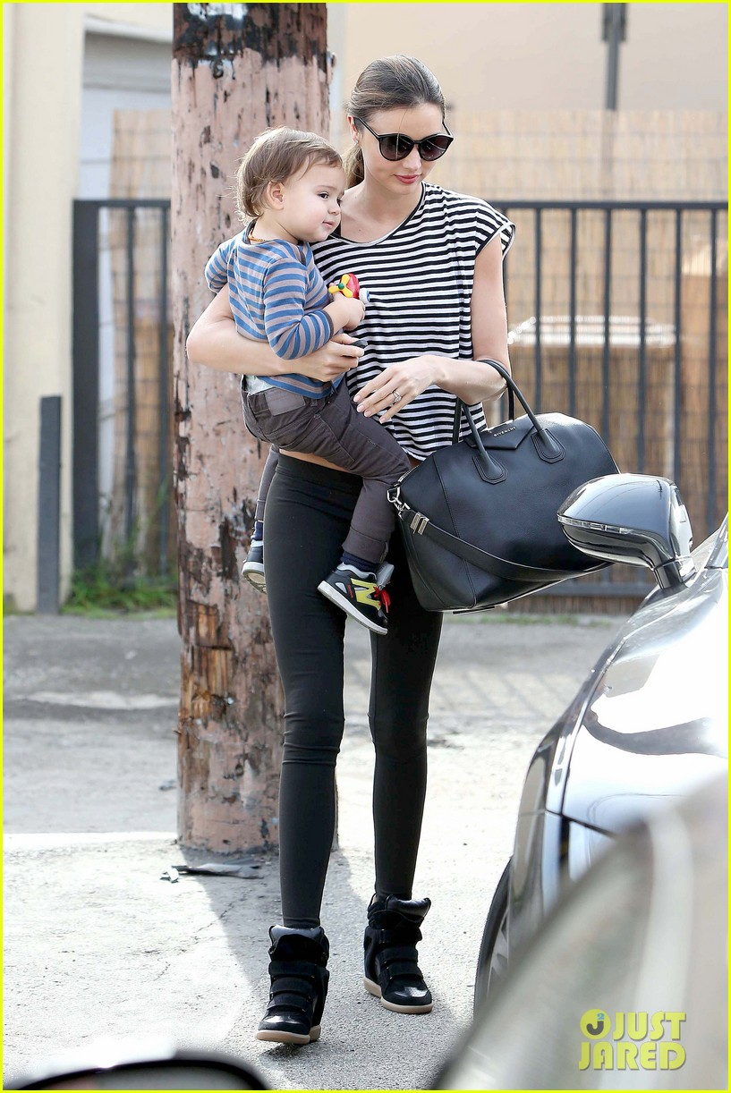 miranda kerr ballet class with flynn 01