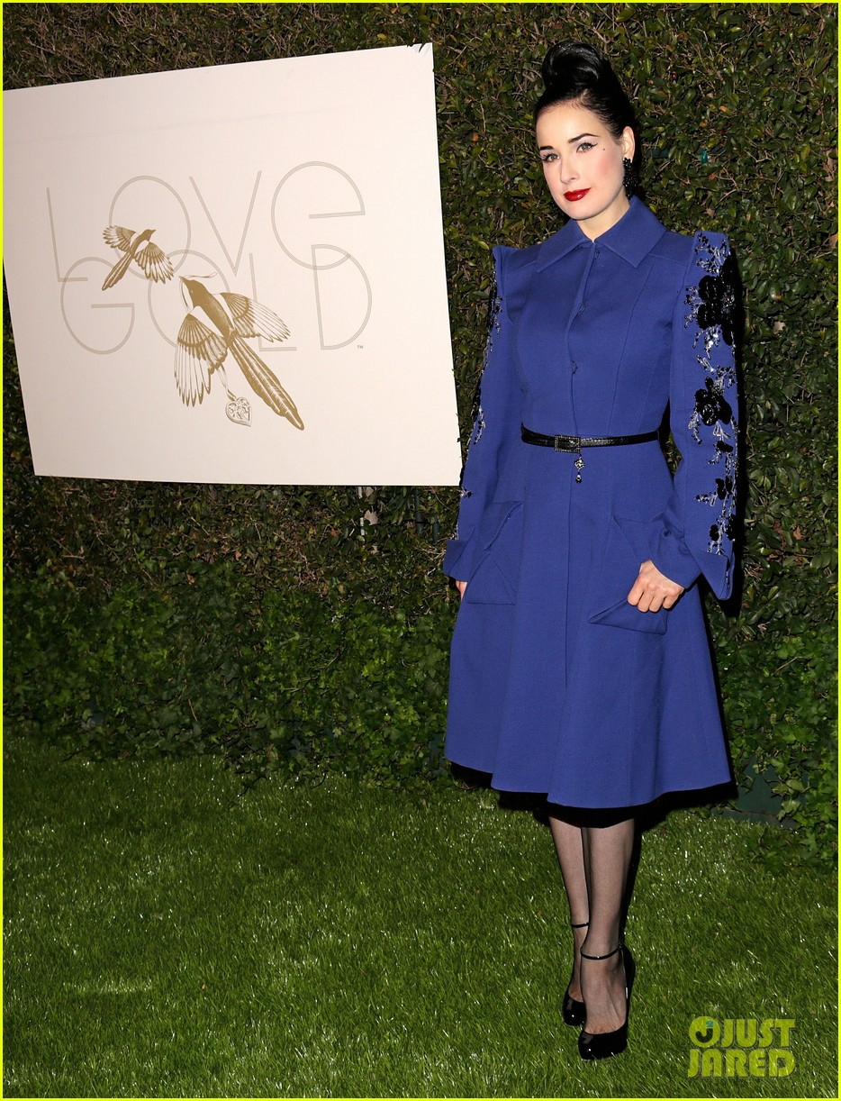 julianne moore dita von teese lovegold pre golden globes party 30