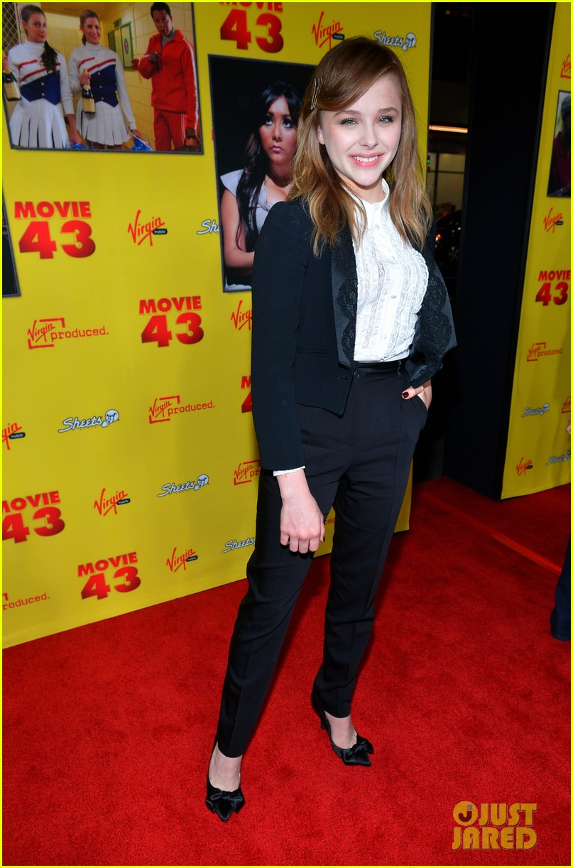 chloe moretz ashley tisdale movie 43 premiere 09