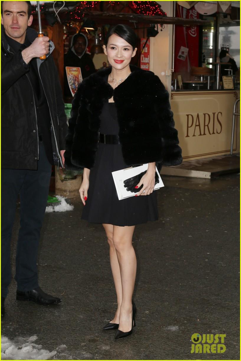 chloe moretz jessica alba christian dior paris fashion show 04
