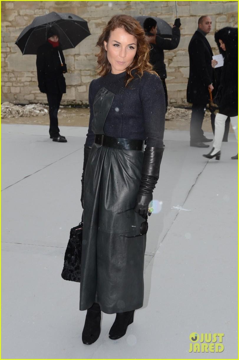 chloe moretz jessica alba christian dior paris fashion show 06