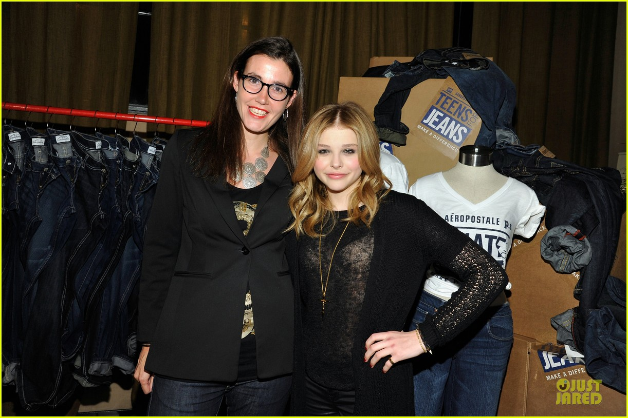 chloe moretz teens for jeans host 142787325
