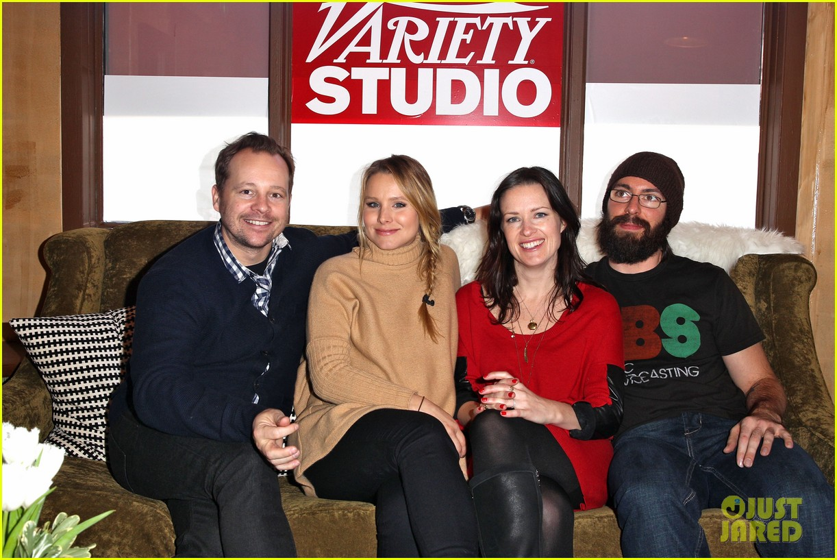 elisabeth moss kristen bell shine at sundance 01