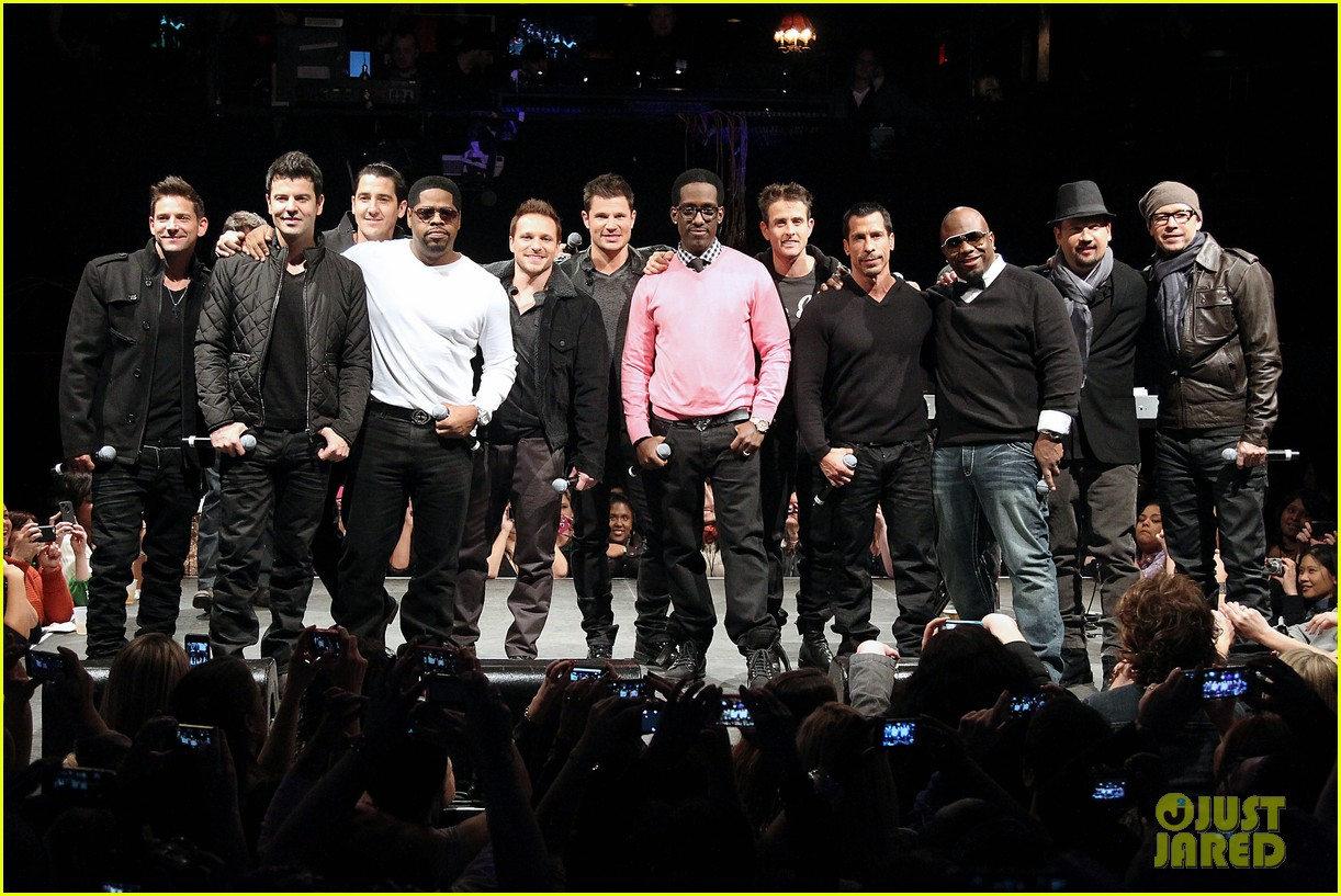 nkotb 98 degrees boys ii men tour announcement show 28