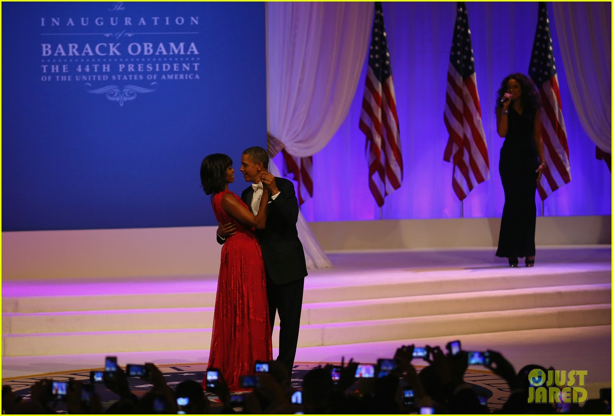 president barack obama michelle inaugural ball dance video 10