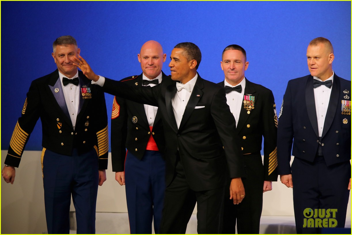 president barack obama michelle inaugural ball dance video 112796413