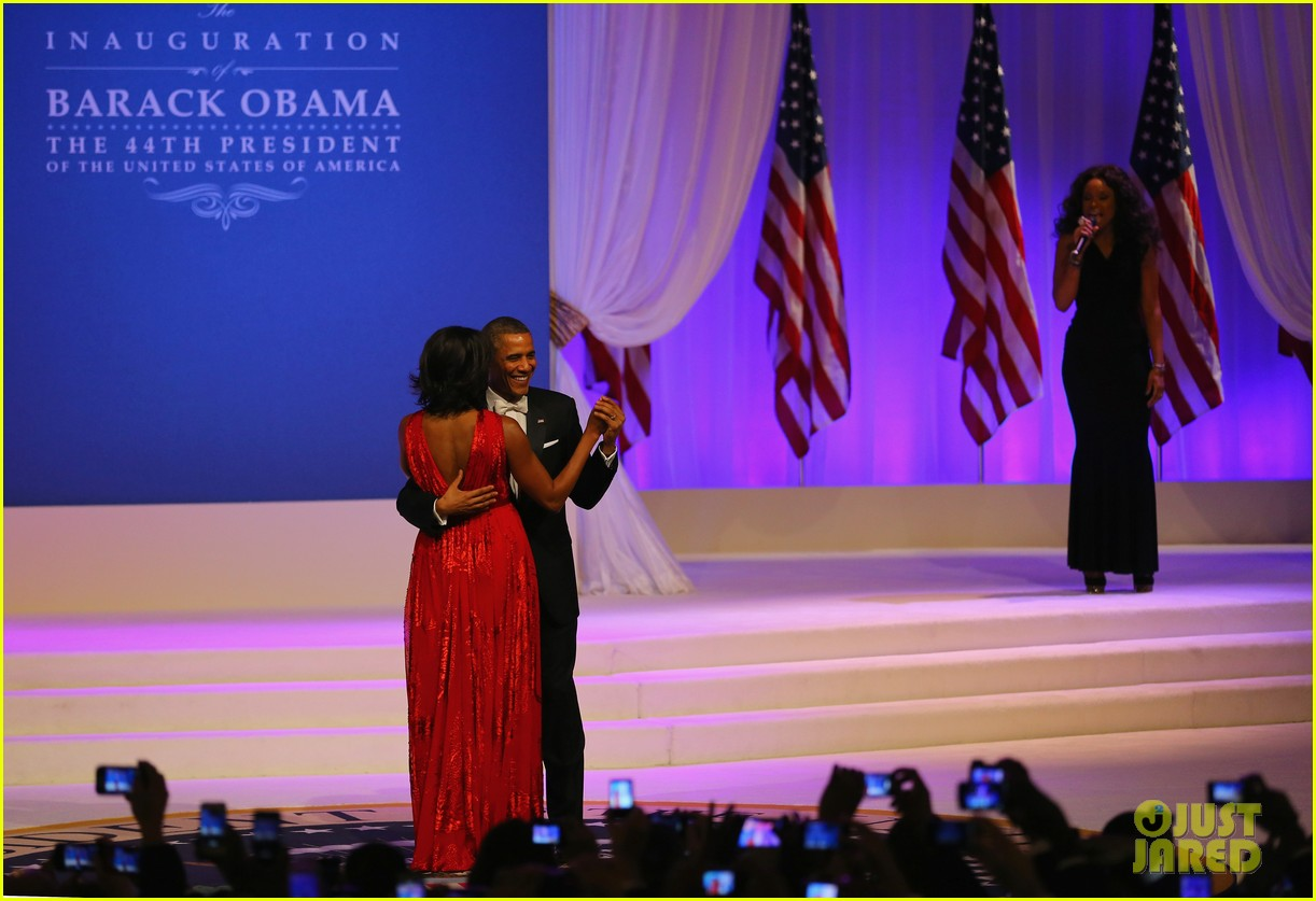president barack obama michelle inaugural ball dance video 12