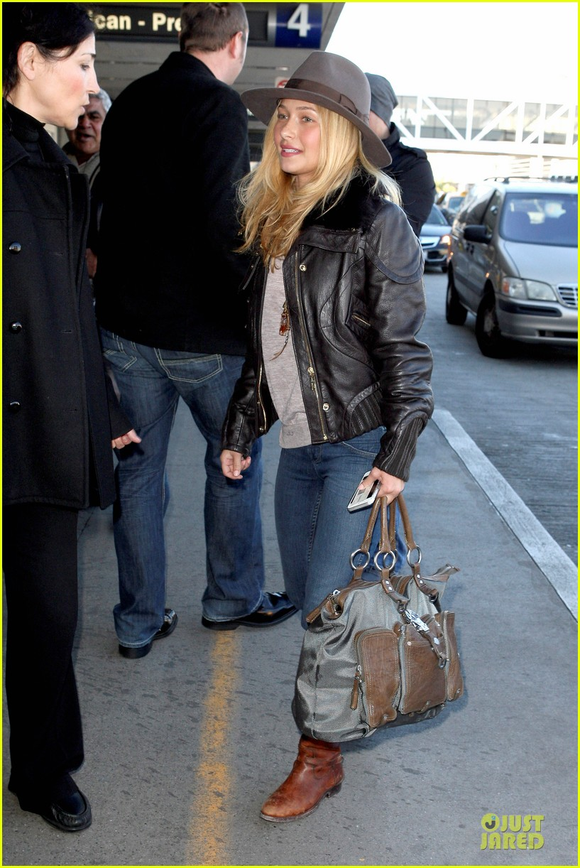 hayden panettiere post golden globes los angeles departure 03