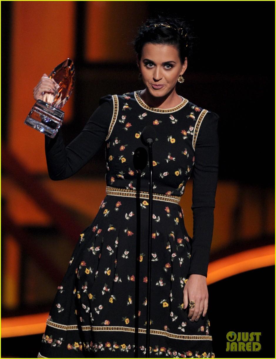 katy perry peoples choice awards 2013 winner 04
