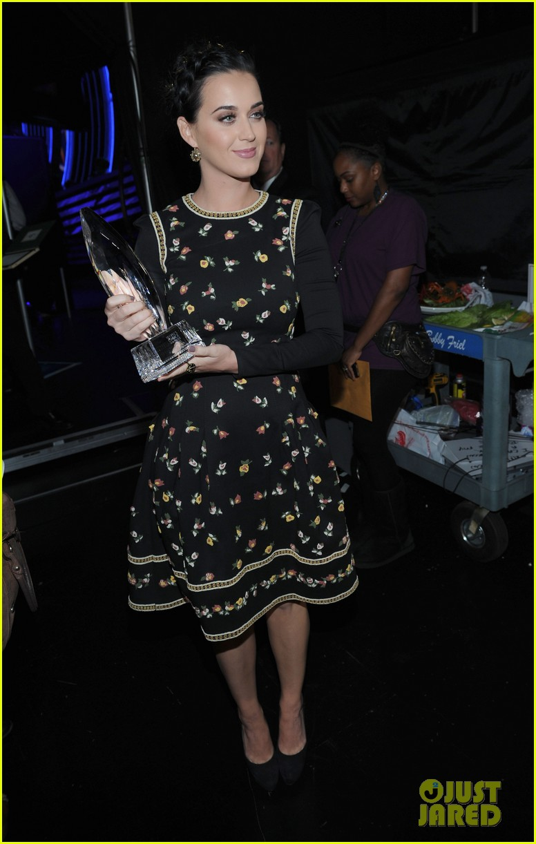 katy perry peoples choice awards 2013 winner 15