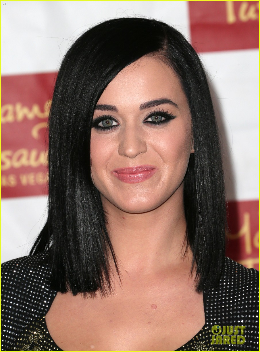 katy perry wax figure unveiled 06