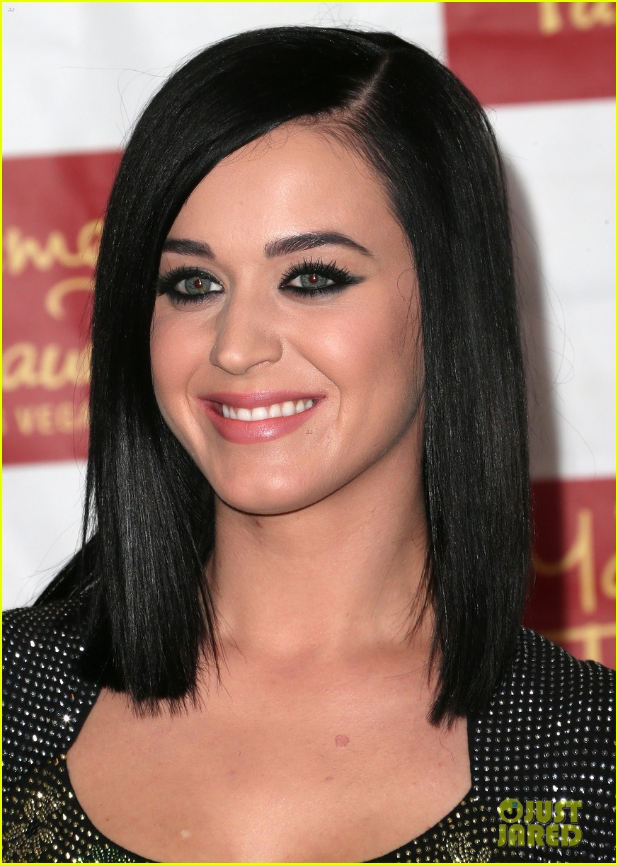 katy perry wax figure unveiled 10