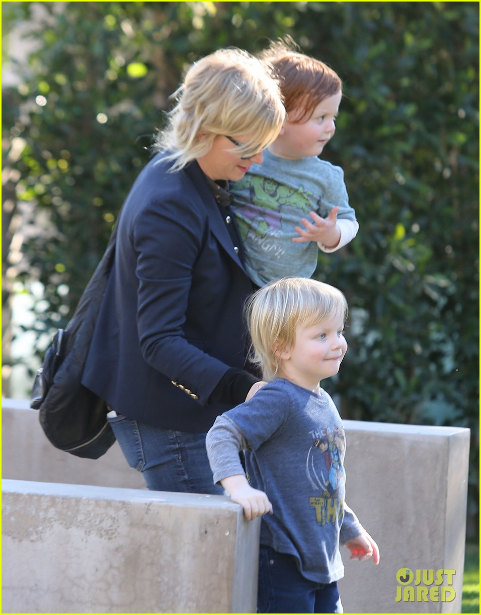 amy poehler birthday party with archie abel 02