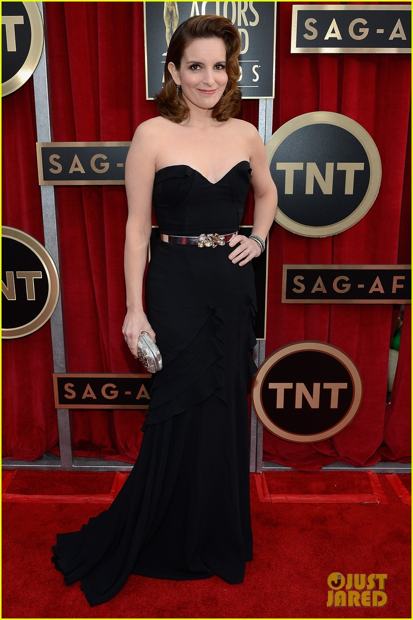 amy poehler tina fey sag awards 2013 red carpet 042799701
