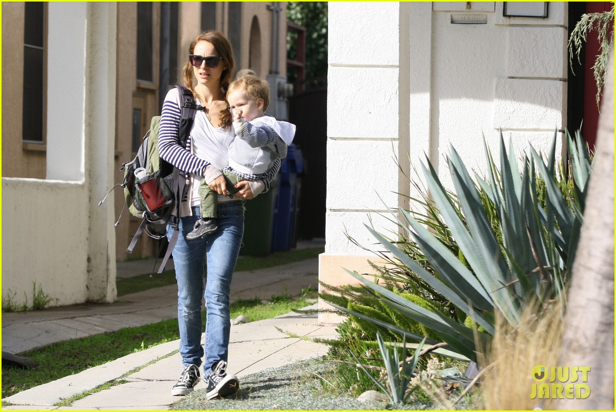 natalie portman aleph visit friends in beverly hills 03