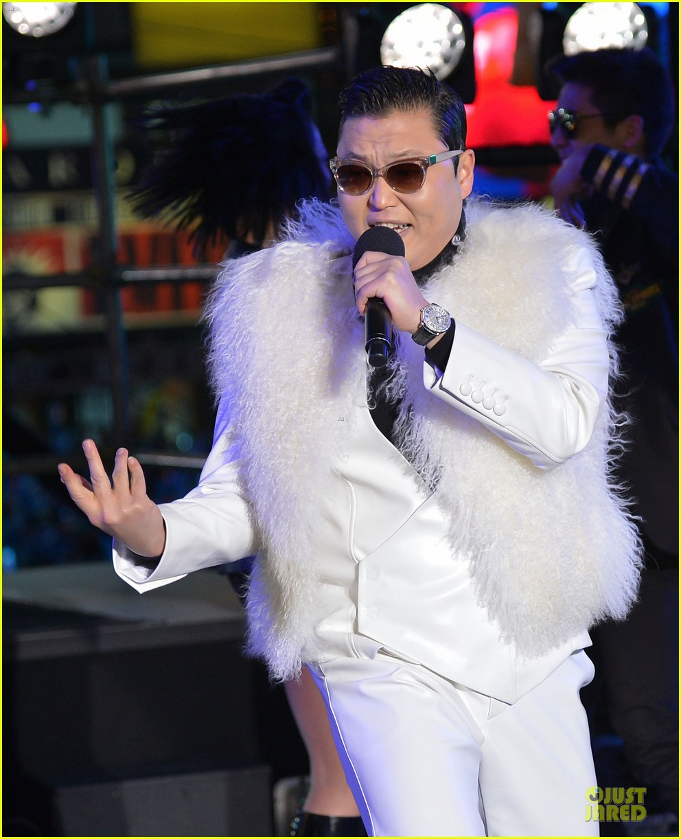 psy & mc hammer dick clark new year rockin eve wtih ryan seacrest duo 022783083