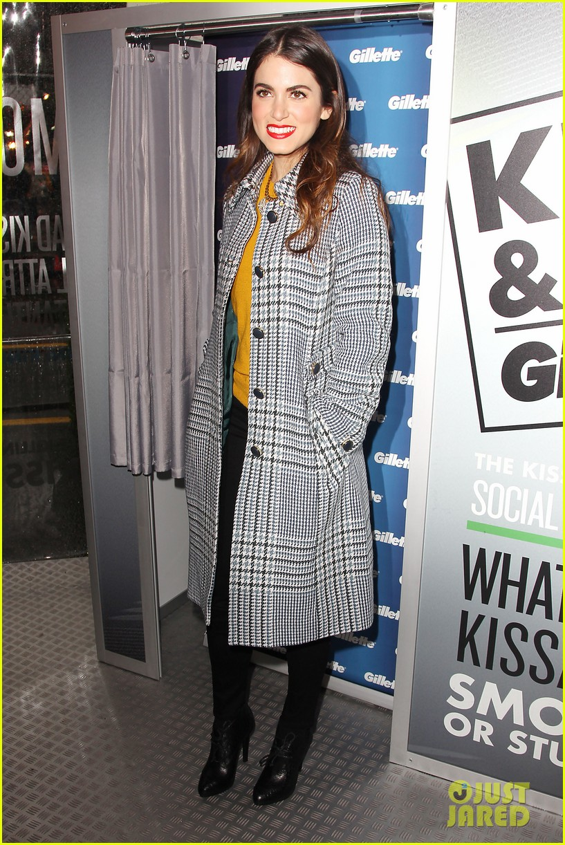 nikki reed kiss tell event for gillette 01