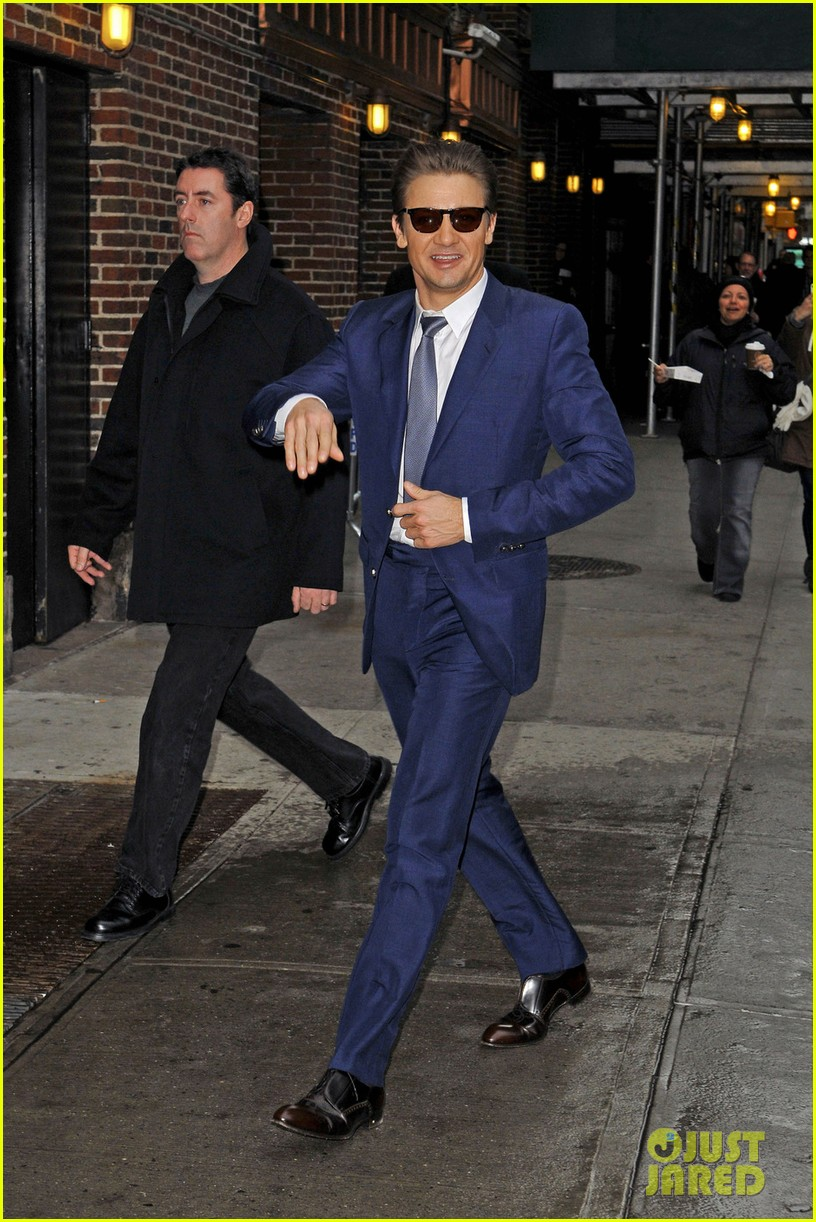 jeremy renner late show appearance 05