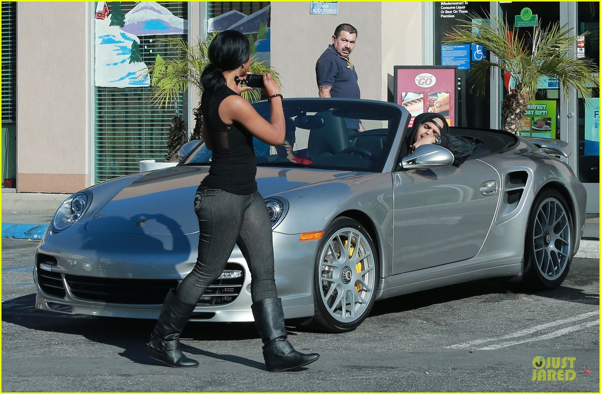 rihanna & chris brown slurpee craving stop 03