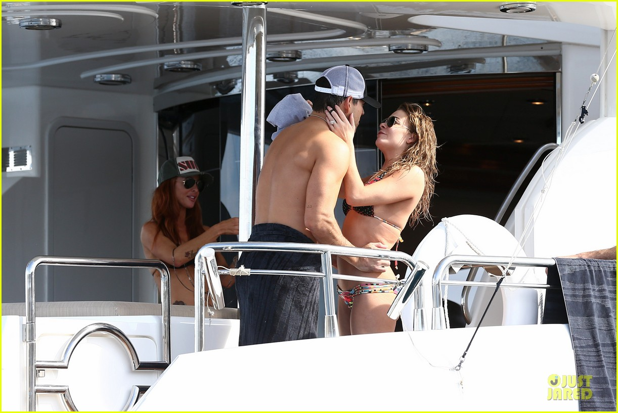 leann rimes bikini kissing with shirtless eddie cibrian 16
