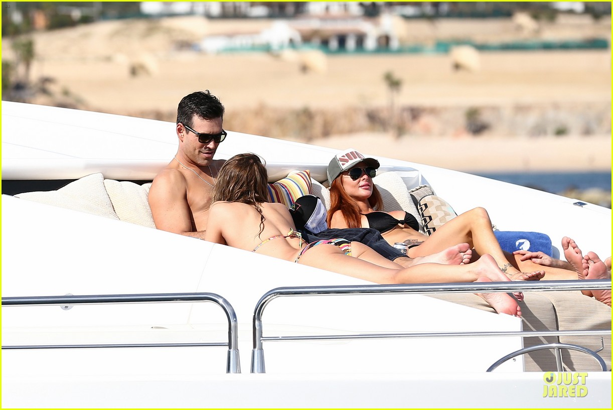 leann rimes bikini kissing with shirtless eddie cibrian 23